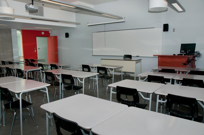 salles de classe coll ge de maisonneuve. Black Bedroom Furniture Sets. Home Design Ideas